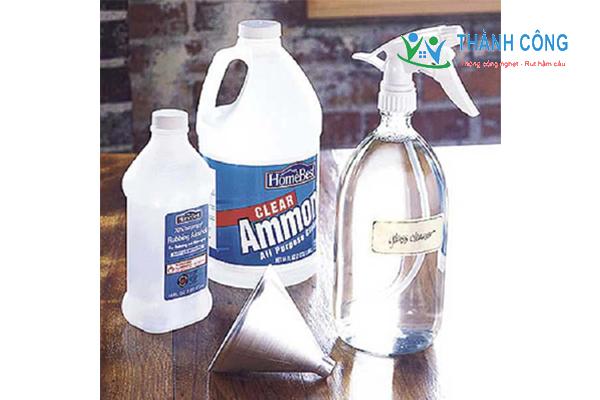 Cách làm sạch gương kính bằng Amoniac