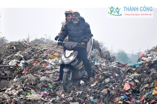 Môi trường ô nhiễm do chất thải rắn