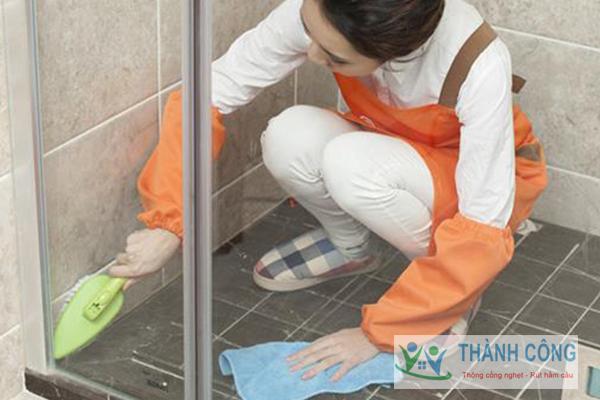 Xử lý mùi hôi trong nhà vệ sinh