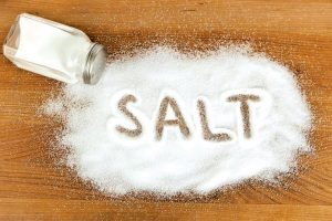 Thông cống bằng muối